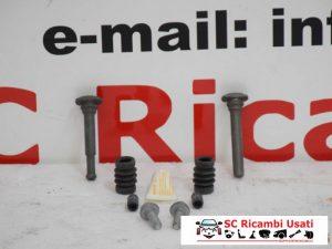 KIT RIPARAZIONE PINZA FRENO FIAT 500 2010 (NUOVO) 77364641 9949340