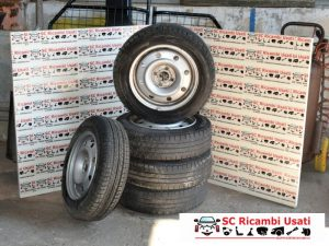 N.5 GOMME GOMME R15